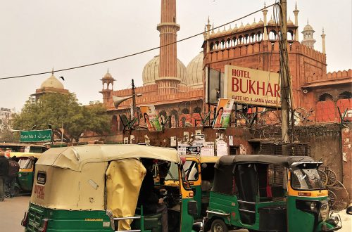 Rickshaw in front of Jama Masjid in Delhi, India