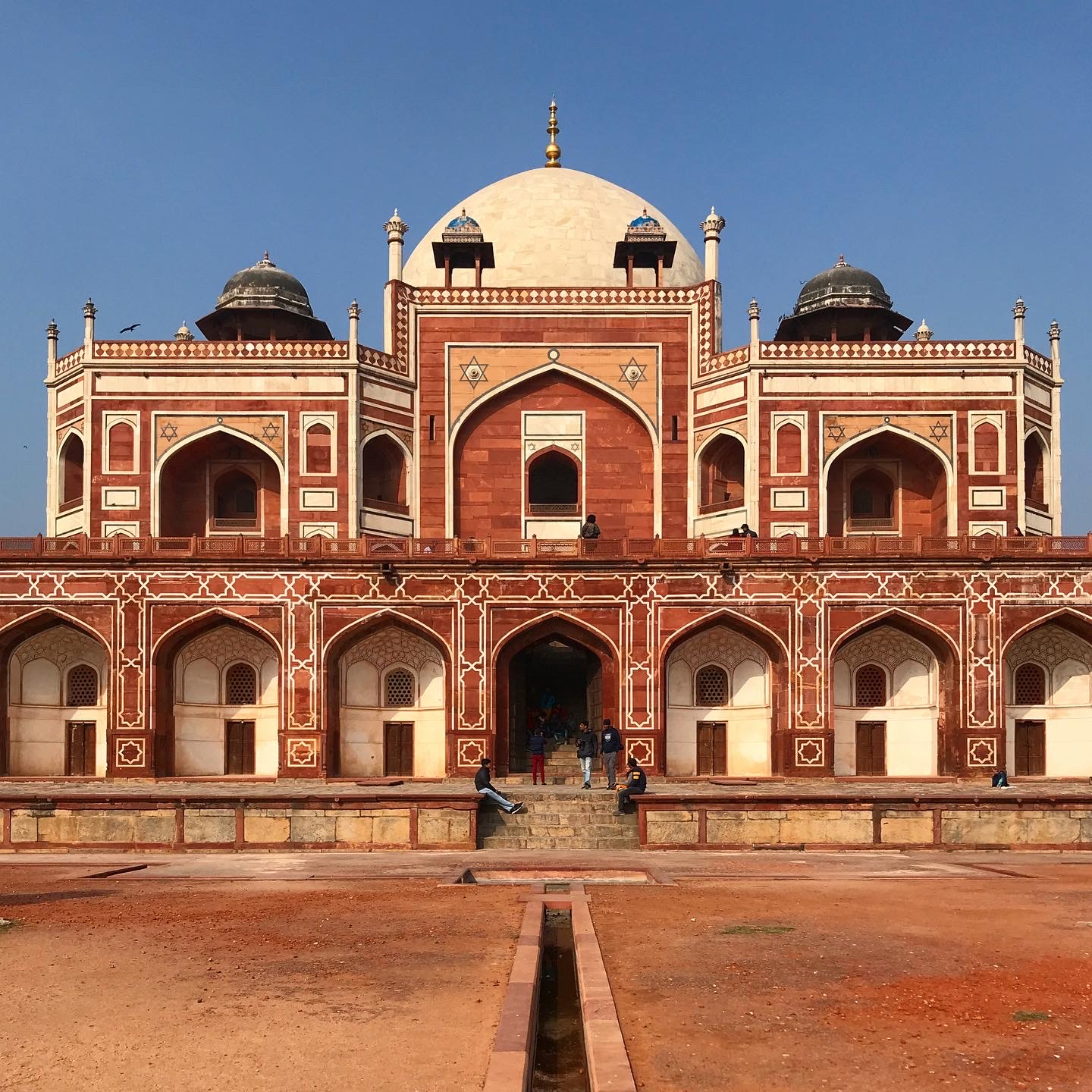 Side view of Humayun's tomb highly symetrical it is seen the same from all sides